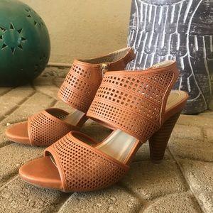 Me Too Dixie dress sandal